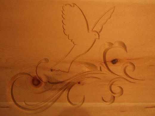 Ornamente eines Zirbenholzbettes - Holzbildhauermeisterin Anett Wirthgen / Oelsa